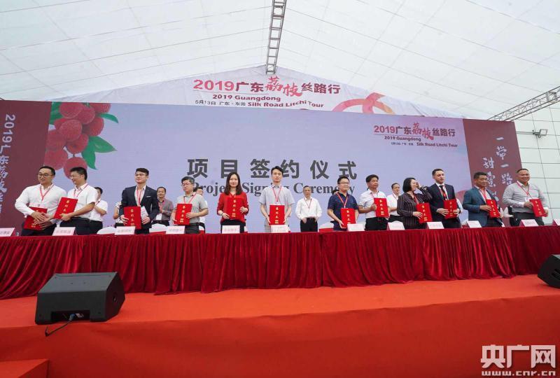 方正县附近哪有找美女姑娘做鸡的学生妹全套上门服务约炮QQ微信联系方式