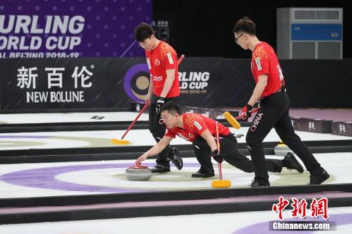 首次在世界大赛夺牌!中国男子冰壶到底啥水平?