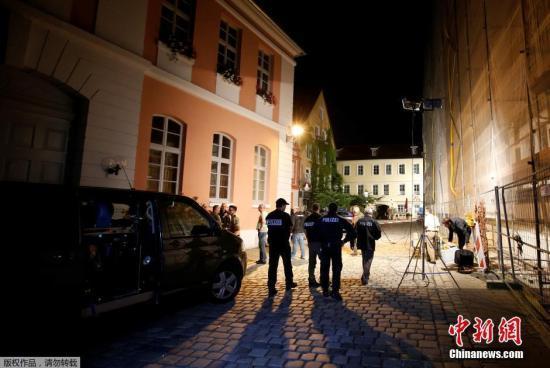 德旅馆现命案:3死者遭十字弓射击 警方启动调查