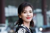 刘涛身着印花套装成焦点 开启戛纳电影节之旅