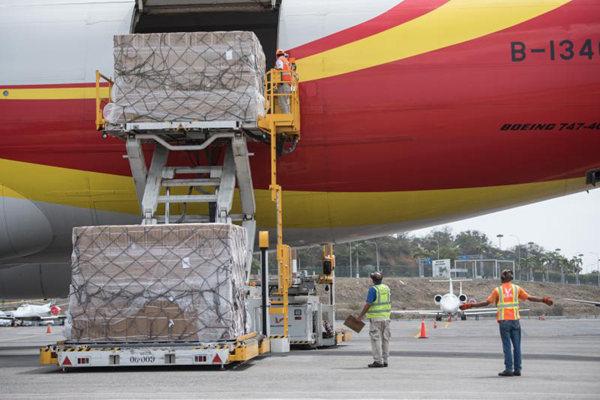 中国向委内瑞拉转交71吨第二批民生物资