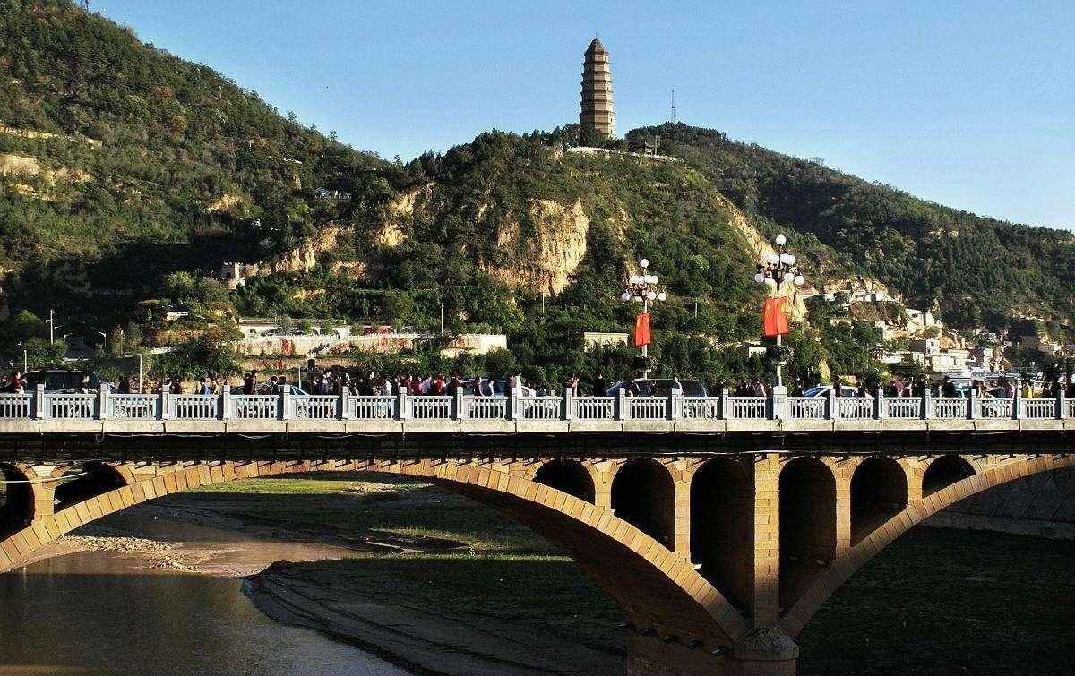 魅力打通致富之路——红色旅游全域旅游带动延安脱贫