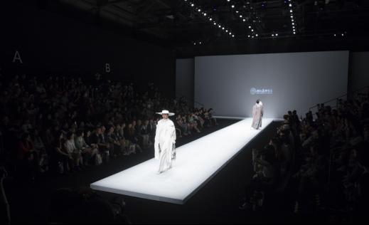 """2019""""Bedo Fashion""""湖北美术学院专场发布亮相北京时尚设计广场"""