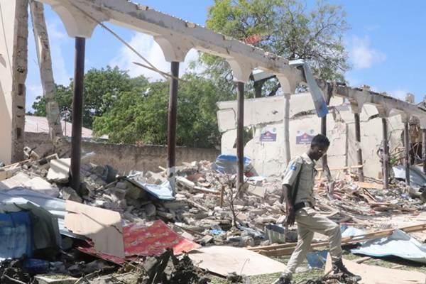 索马里首都遭汽车炸弹袭击致5死9伤