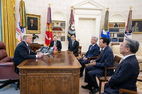 """特朗普感谢乐天集团对美投资 赞韩国是""""优秀伙伴"""""""
