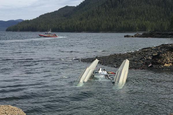 美国2架水上飞机相撞 死亡人数上升至6人