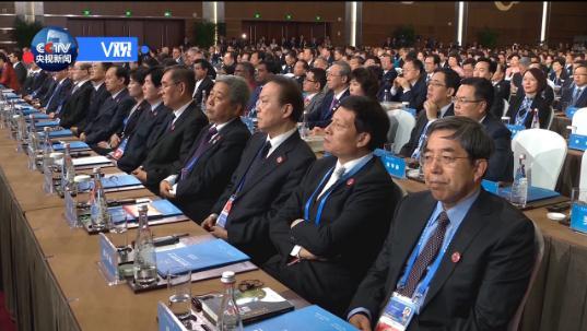 习近平:希望各国互尊互信 共同维护比金子还珍贵的和平时光