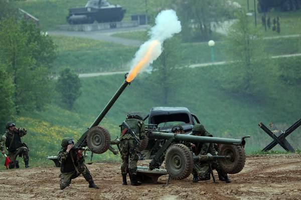 白俄罗斯举办国际武器和军事器械展览