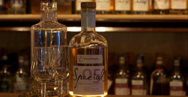 借助微软人工智能 Mackmyra创造世界首款AI威士忌