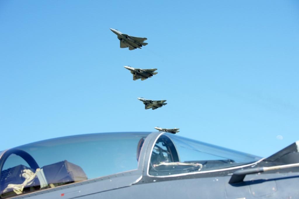 普京:俄军在2027年前将采购76架苏-57五代机