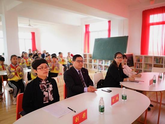 湖北快3:美团公益首所未来教室在广安交付使用