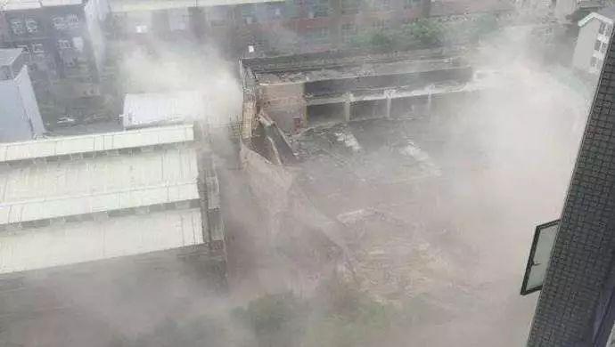 突发!上海昭化路一4S店工地发生坍塌多人被埋,已救出6人