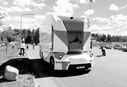 无人驾驶卡车上路