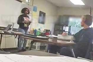 女生被同学欺负 其母站讲台放狠话警告霸凌者