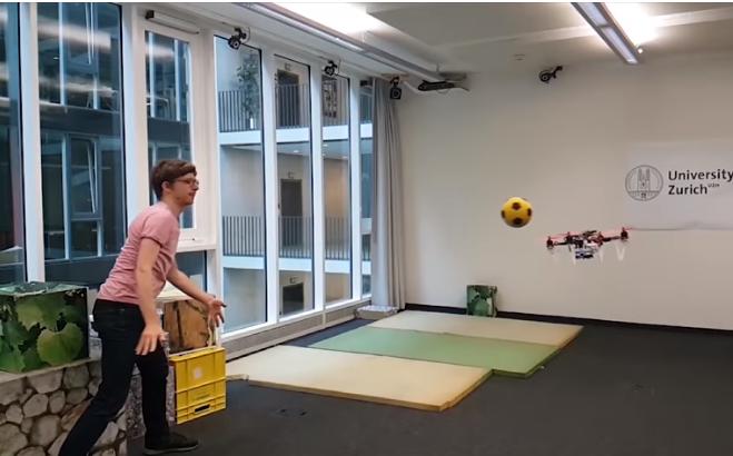 闪避!苏黎世大学研新型无人机 可躲避动态物体撞击