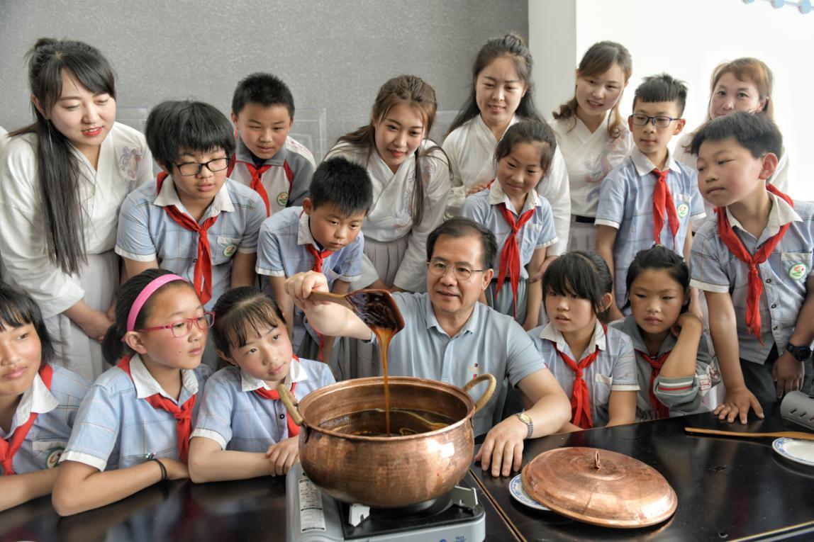 国际博物馆日:小学生走进中医膏方博物馆
