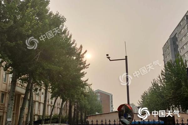 今日北京33℃依旧炎热 夜间起降雨光临送清凉
