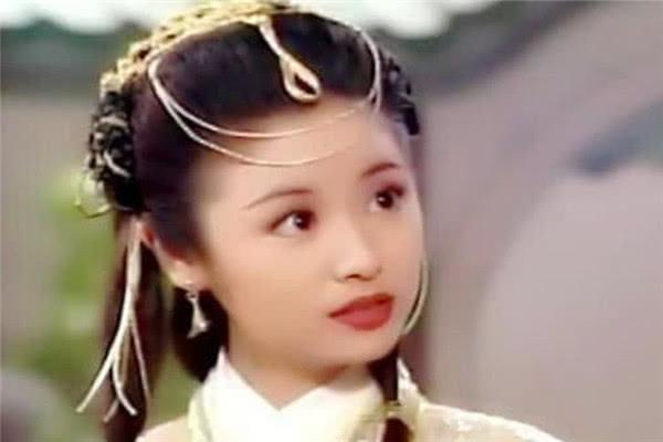 婴儿肥时期的女星,林心如清纯,霍思燕灵动,郑爽还是胖点好看