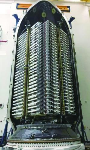 """马斯克开建超级""""太空互联网"""""""