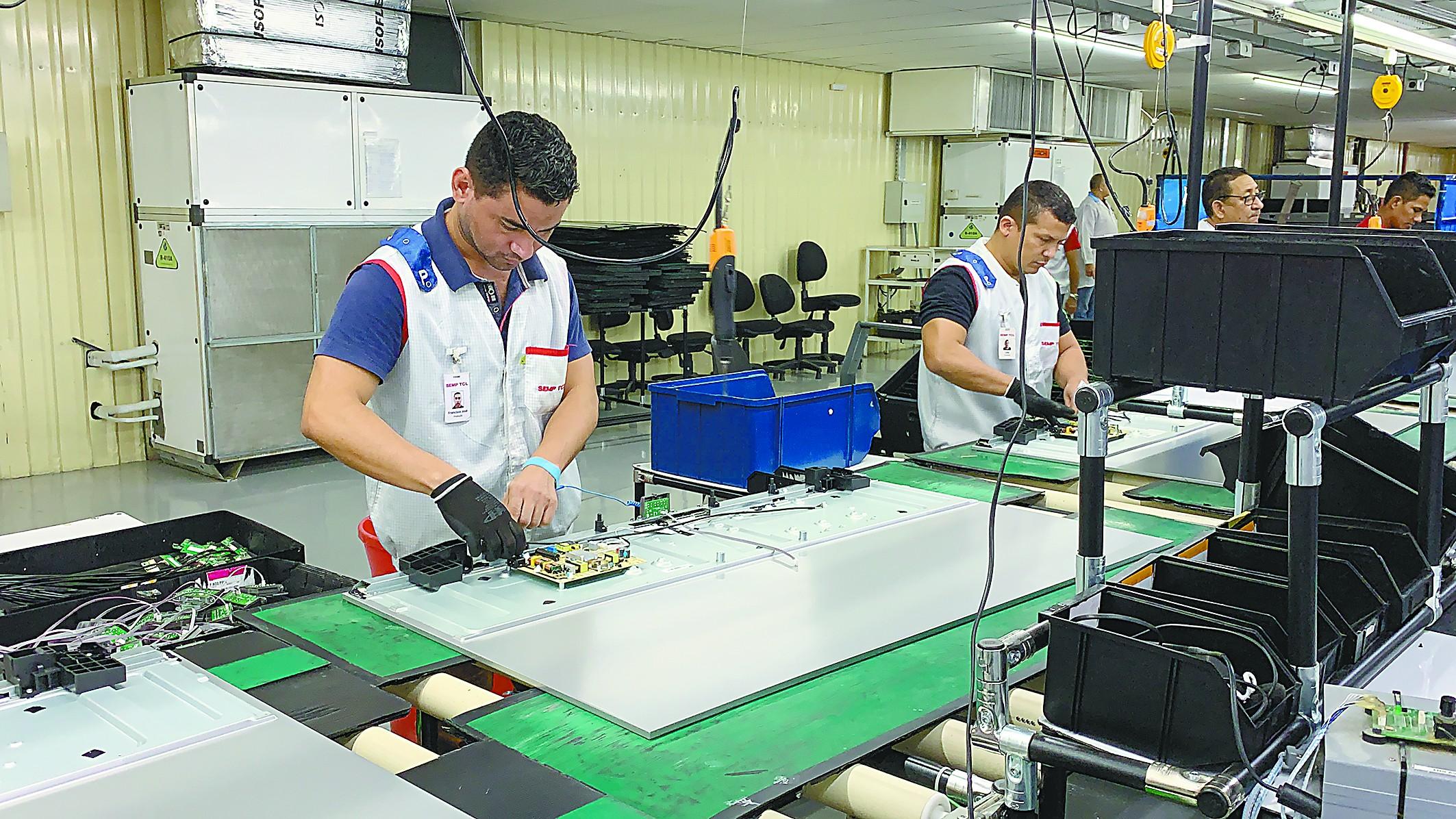TCL产品征服巴西球星内马尔