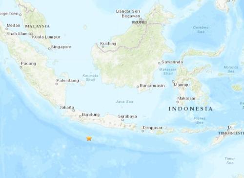 印尼爪哇岛南部海域发生5.6级地震 震源深度10千米