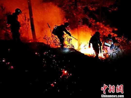 云南晋宁山火明火已扑灭 过火面积约14.67公顷