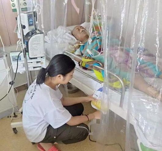 17岁女孩放弃高考捐髓救母:妈妈的生命只有一次