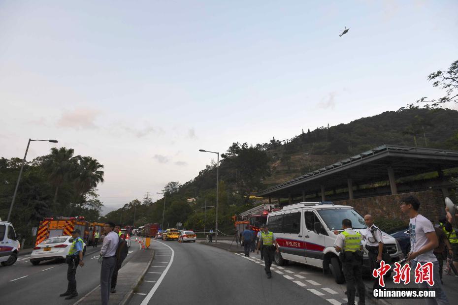 香港发生直升机失事坠落事件 一人死亡