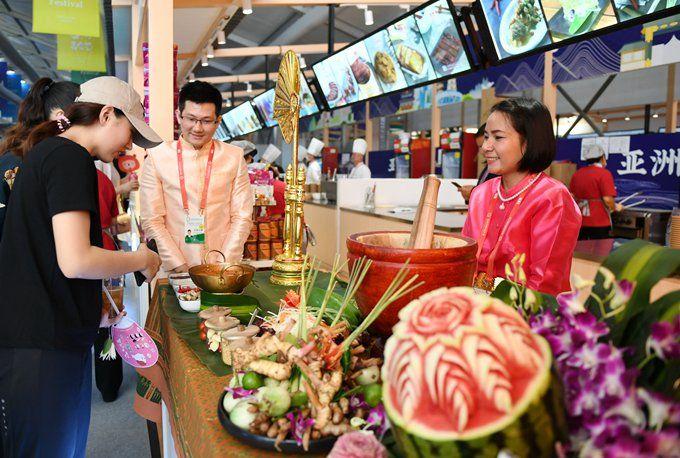 亚洲美食节首个周末人气爆棚