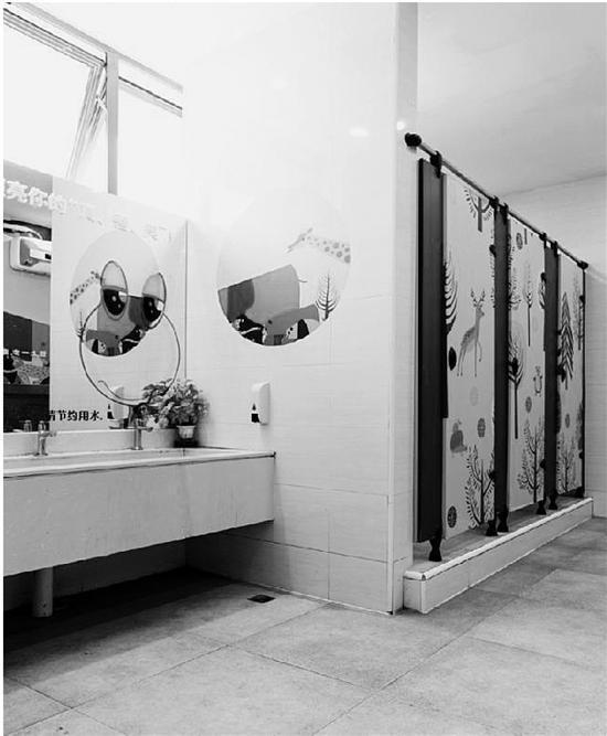杭州这所小学的厕所成为学生争相打卡热门景点