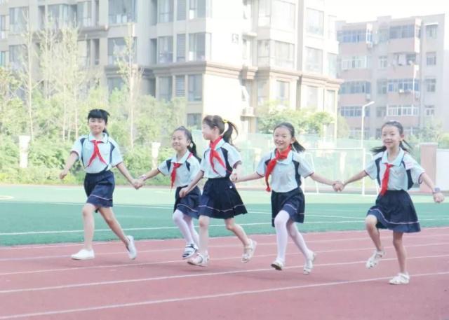 河南中小学生减负政策出炉:严禁节假日补课 不得让家长评改作业