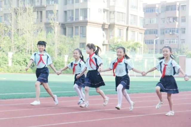 河南中小学生减负政策出炉:严禁节假日补课