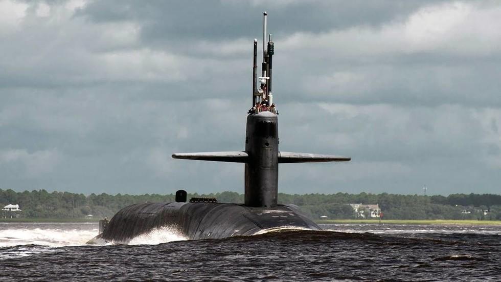 """美軍將32名女兵派上潛艇后 出現一份""""強奸名單"""""""