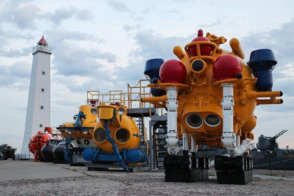 潜水器也能这么萌!俄罗斯展出用于深海探测的水下机器人