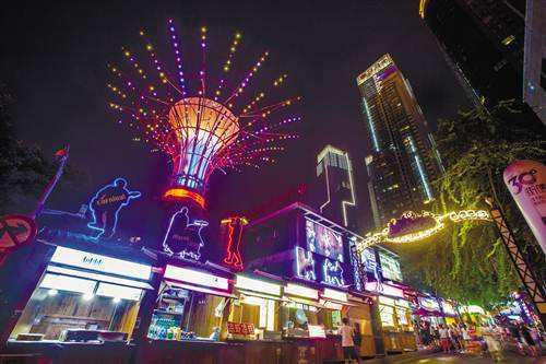 """夜幕降临,生活才刚刚开始——中国""""夜经济""""消费图景"""