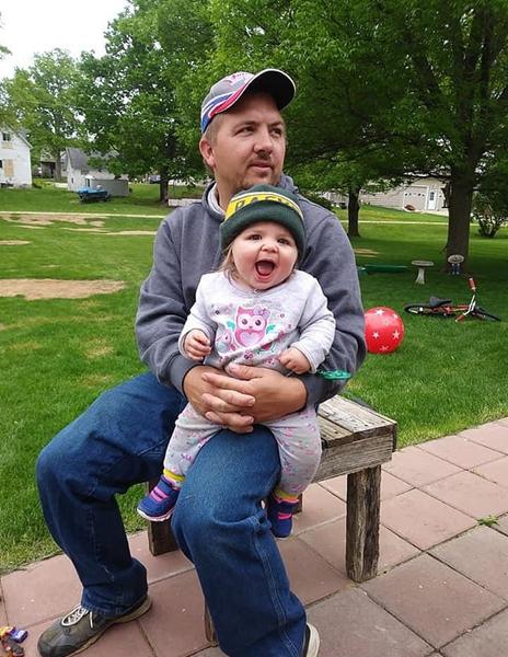 感人!脑死亡女婴捐赠器官获医生护士列队相送