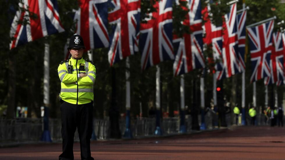"""快讯!伦敦白厅因""""安全事件""""关闭,警方封锁唐宁街10号"""