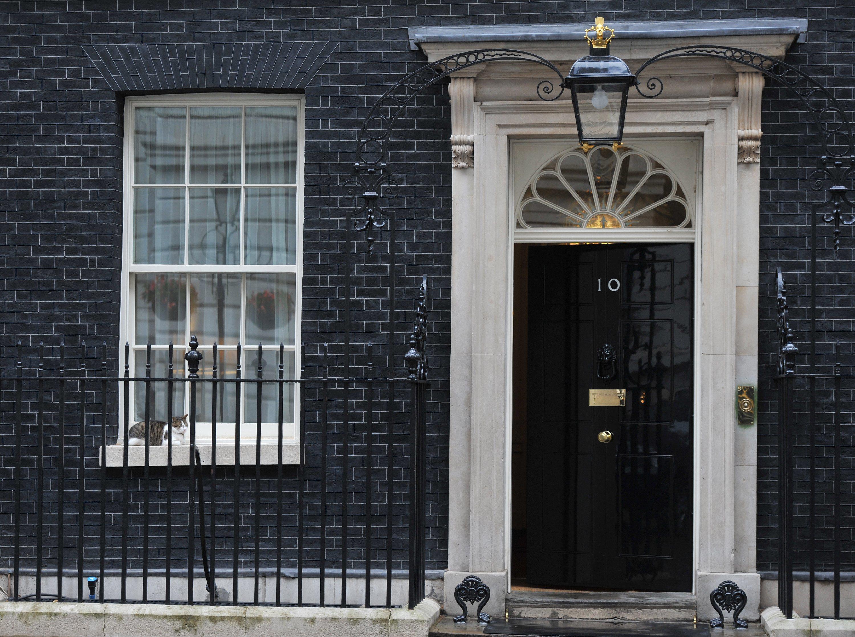 """伦敦白厅因""""安全事件""""关闭 警方封锁唐宁街10号"""