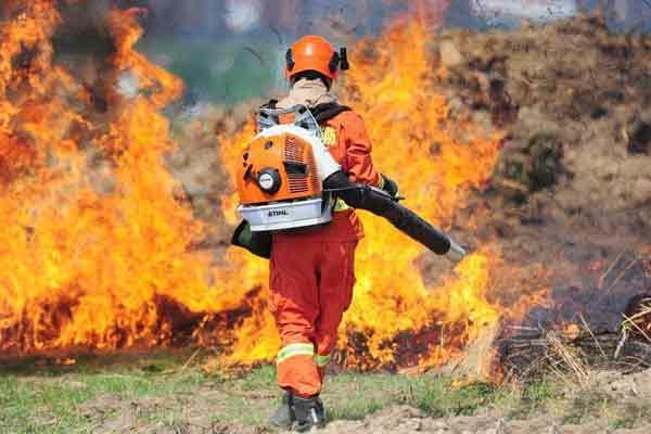 吉林森林消防举行灭火演练 锤炼能力
