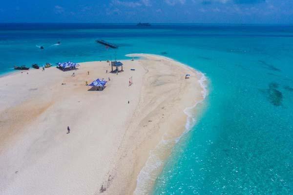 """探访西沙全富岛上的那片""""银滩"""""""