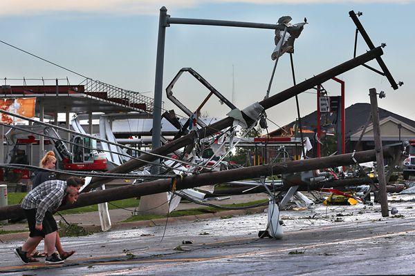 美国密苏里州遭龙卷风肆虐 已致3死超20伤
