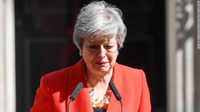 特雷莎·梅宣布将于6月7日辞职,含泪发表讲话:担任首相是我一生荣幸