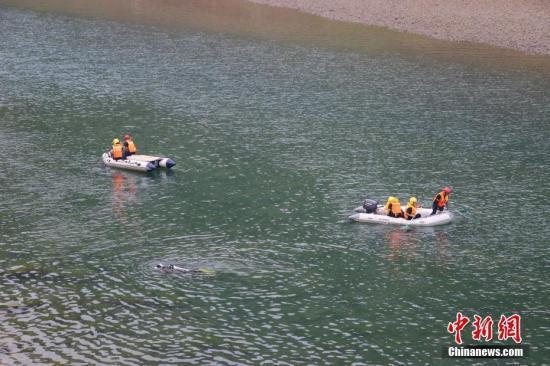 贵州船只侧翻10死8失联 省委书记要求严肃追责