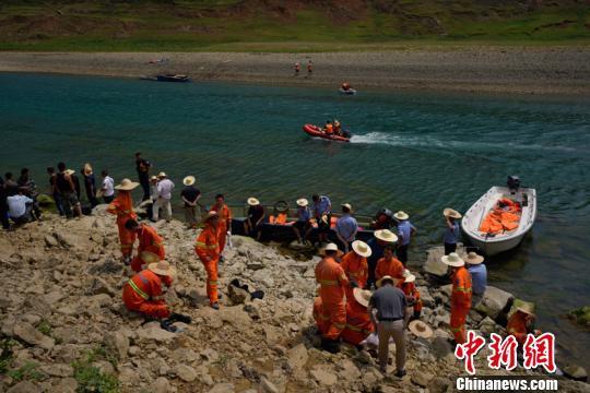贵州省贞丰船只侧翻:村民参加葬礼乘船返程遭遇不幸
