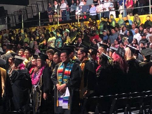 美媒:美国高校毕业季 中国留学毕业生不焦虑淡定看去留