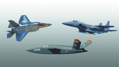 """五角大楼规划让F-35(左上)、F-15EX(右上)与""""女武神""""无人机(下)混编作战。"""