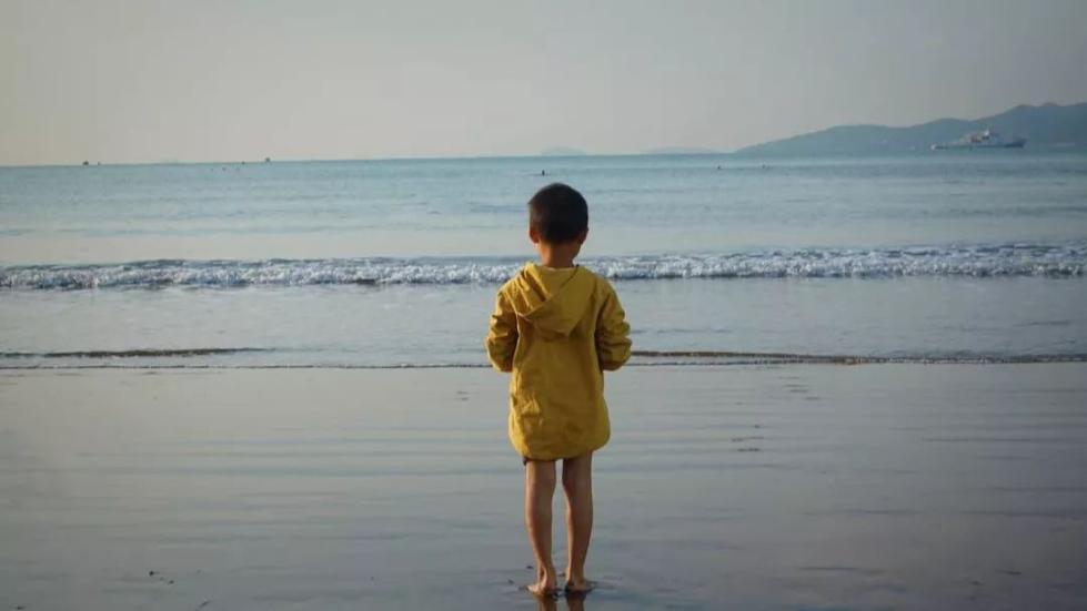 """3岁男童遭遇七旬老汉""""骚扰""""!专家:被骚扰的男孩心理创伤极为严重"""