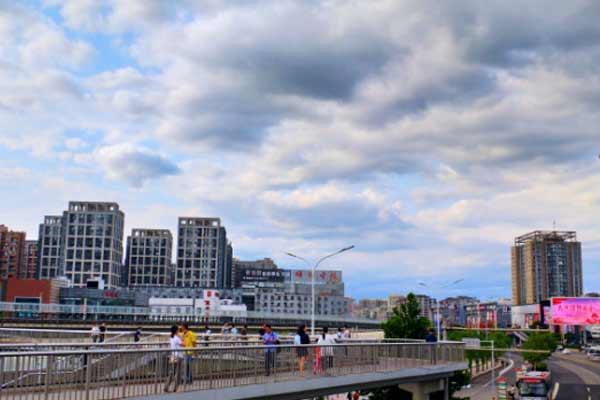 """北京雷雨过后迎来""""蓝天白云""""好天气"""