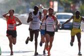 当马拉松赛遭遇高温 选手如何降温