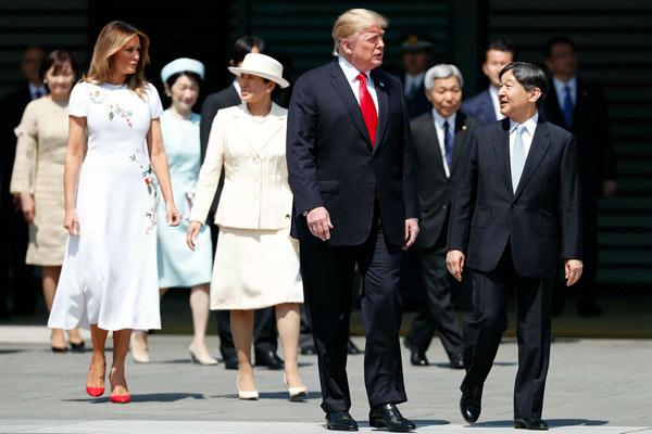 特朗普夫妇出席新天皇举行的欢迎仪式
